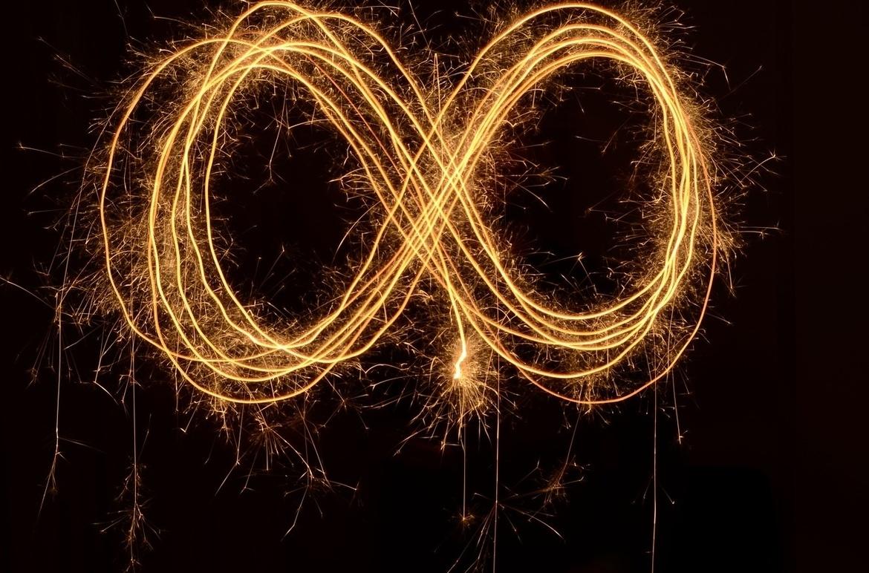 infinity-1737624_1280 resize